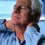 عوامل،علائم و درمان گردن درد